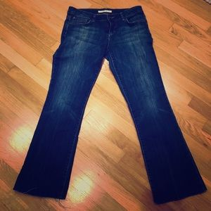 🎉SALE🎉Joe's jeans pre owned size 29